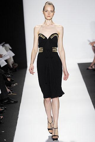 00110m Badgley Mischka: Između stila i trenda