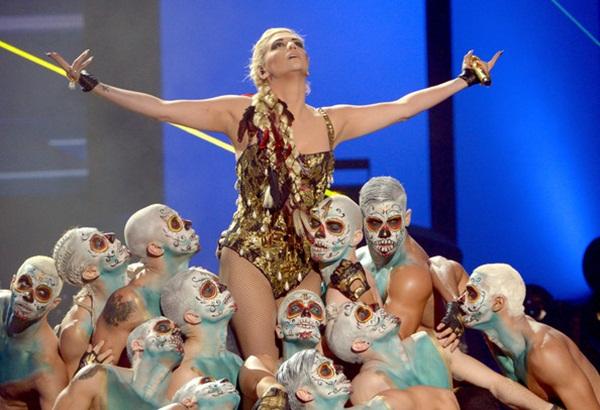 galerija8 AMA 2012: Raskoš, sjaj i glamur