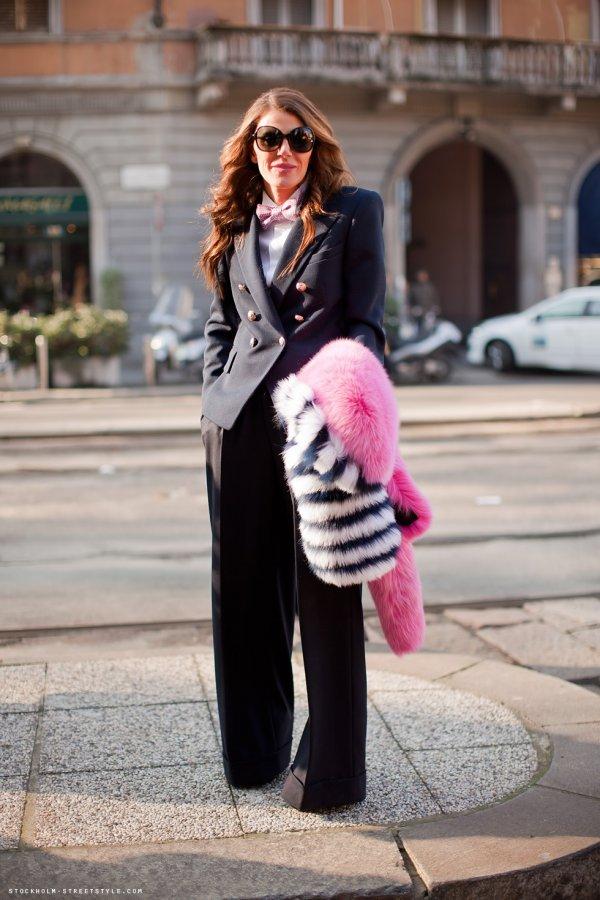 suit navy blue bowtie pink fur anna dello russo Anna Dello Russo: modni manijak