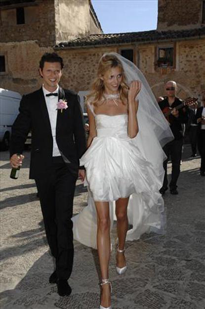 anja rubik sasha knezevic wedding 9 Celebrity Wedding: Anja Rubik & Saša Knežević