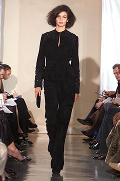 100057902 Badgley Mischka: Između stila i trenda