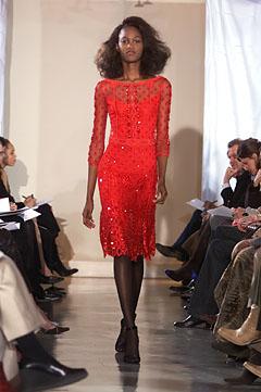 100057910 Badgley Mischka: Između stila i trenda