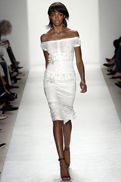 100110221 Badgley Mischka: Između stila i trenda