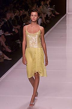 100006343 Badgley Mischka: Između stila i trenda