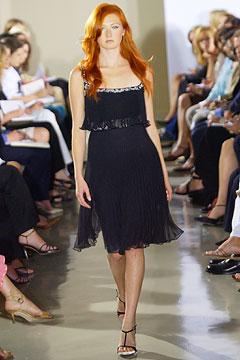 100075717 Badgley Mischka: Između stila i trenda