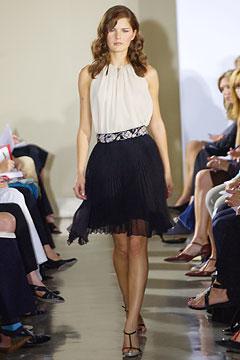 100075718 Badgley Mischka: Između stila i trenda