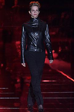 100024264 Badgley Mischka: Između stila i trenda
