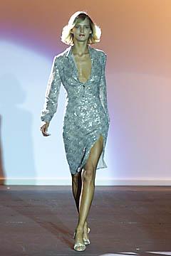 100011989 Badgley Mischka: Između stila i trenda