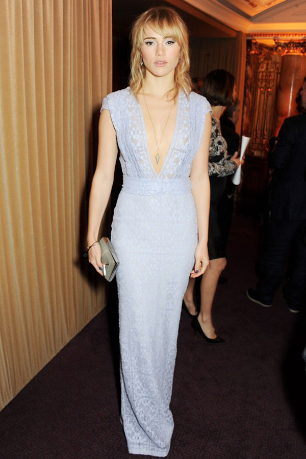 suki waterhouse vogue 2dec13 getty b 592x888 Fashion Police: British Fashion Awards 2013
