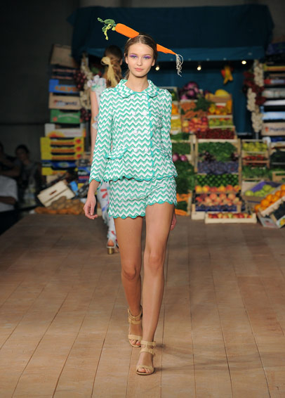 galerija cheap2 La Moda Italiana: Moschino   Couture&Shock