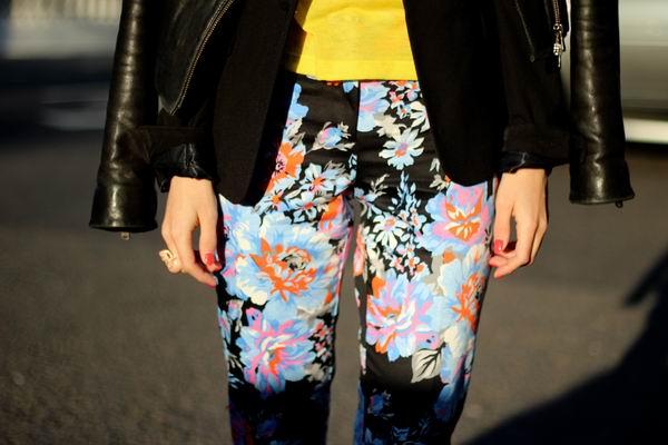 slika 16 Cvetne pantalone