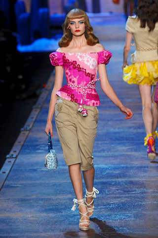 christian dior spring rtw 2011 podium 028 runway Trend za proleće: cvetni print
