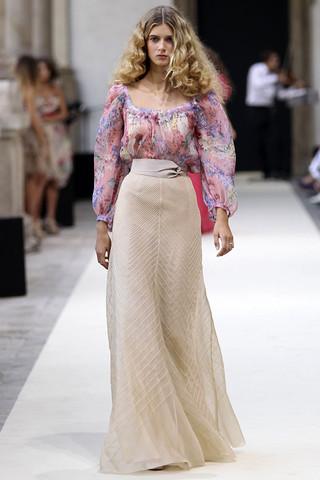 luisa beccaria spring rtw 2011 podium 039 runway Trend za proleće: cvetni print