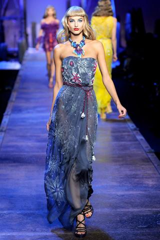 00420m Christian Dior za proleće/leto 2011.