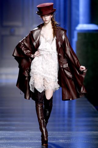 00010m Christian Dior ready to wear jesen/zima 2010/11.