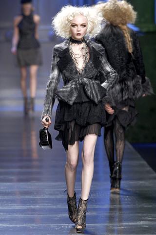 00260m Christian Dior ready to wear jesen/zima 2010/11.