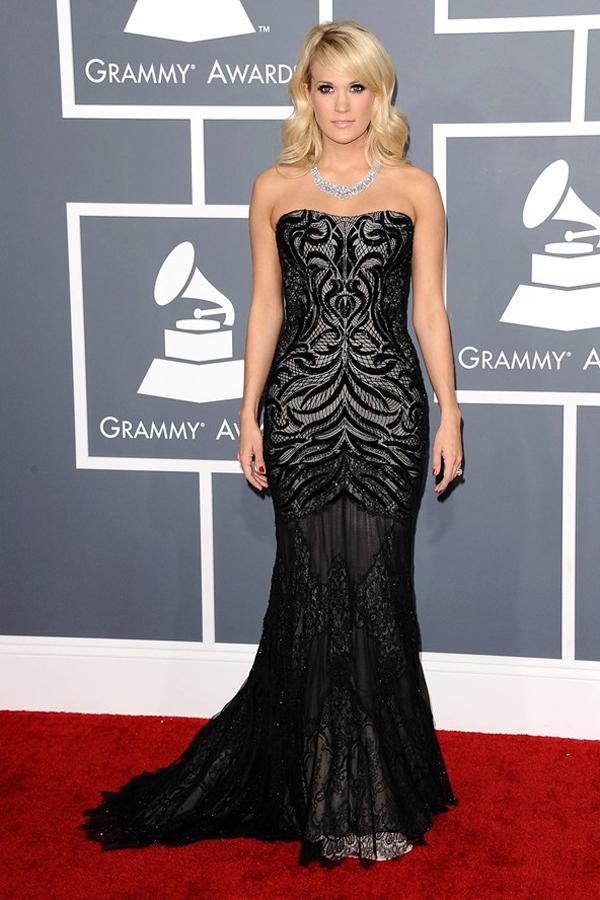 cunderwood v 11feb13 rex b 592x888 Fashion Police: Dodela Grammy nagrada 2013.
