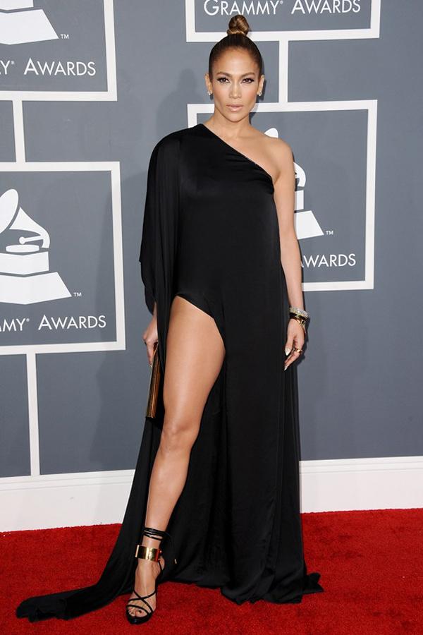 jlopez v feb13 pa b 592x888 Fashion Police: Dodela Grammy nagrada 2013.