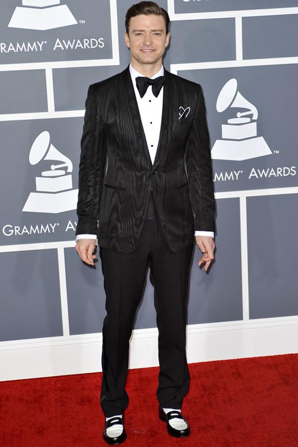 jtimberlake2 v 11feb13 rex b 592x888 Fashion Police: Dodela Grammy nagrada 2013.