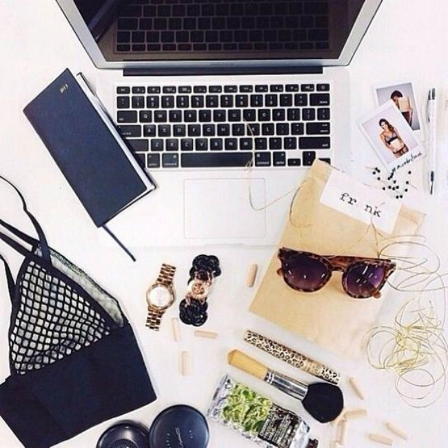 11 Sve detalj do detalja: Instagram flay lay kombinacije, konkretne do srži!
