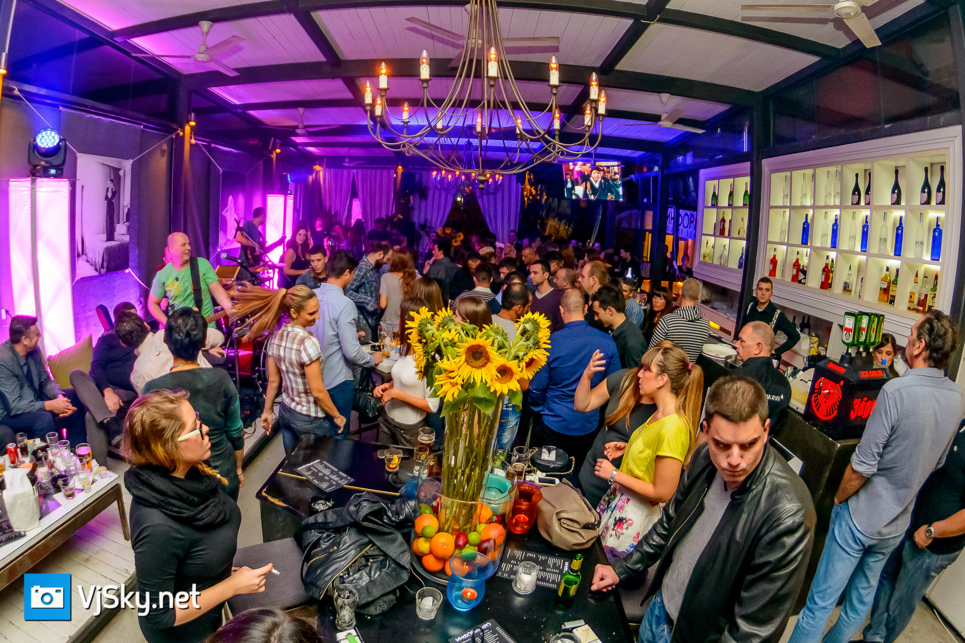 vjsky net informbiro winter lounge otvaranje sezone 22 10 2014 018 Foto izveštaj: Otvaranje nove sezone u Informbirou