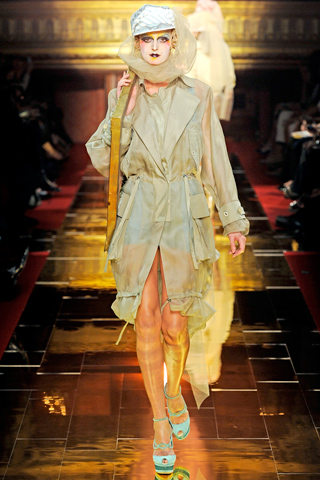 00060m John Galliano ready to wear proleće/leto 2011.