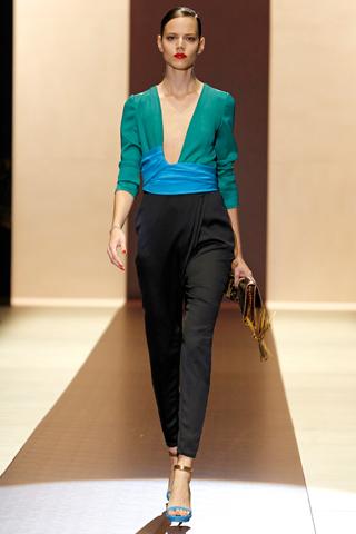 00030m Gucci kolekcija za proleće/leto 2011.