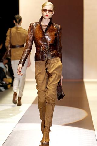 00260m Gucci kolekcija za proleće/leto 2011.