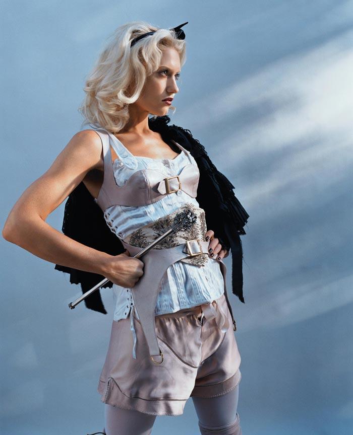 gwenstefani 24 Hollywood Red Lips: Gwen Stefani