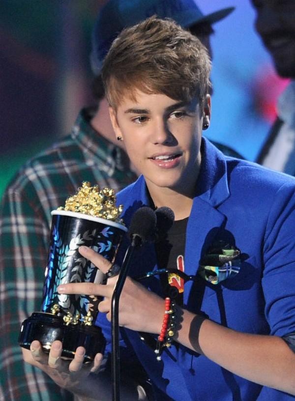 galerija 12 Istorija stajlinga: Justin Bieber