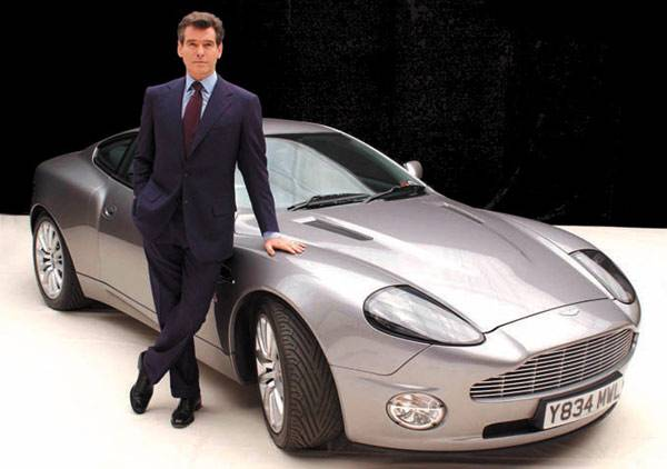 james bond cars 1 Moje ime je Bond. Džejms Bond.