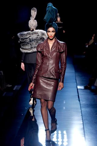 00030m Jean Paul Gaultier Couture kolekcija za jesen/zimu 2010/11.