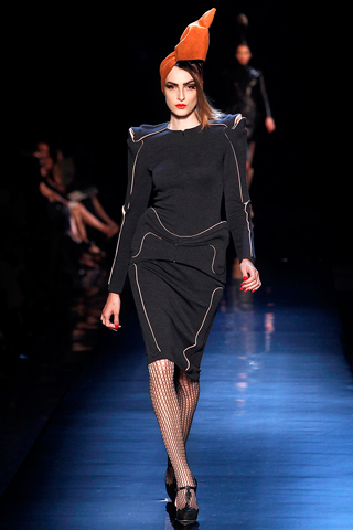 00080m Jean Paul Gaultier Couture kolekcija za jesen/zimu 2010/11.