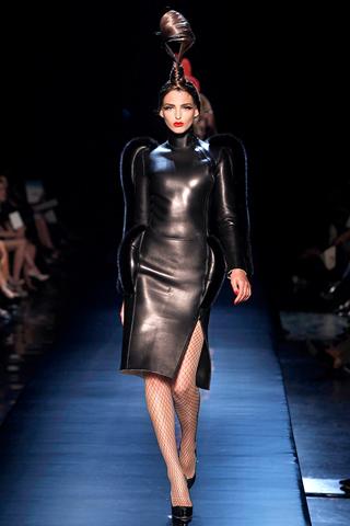 00090m Jean Paul Gaultier Couture kolekcija za jesen/zimu 2010/11.