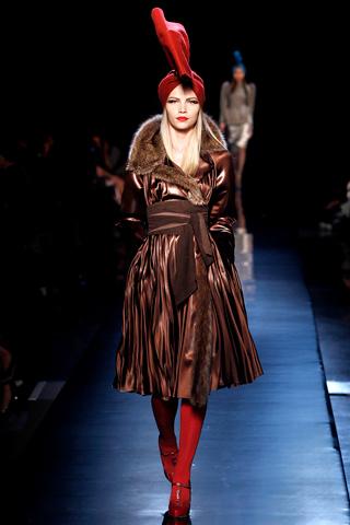 00100m Jean Paul Gaultier Couture kolekcija za jesen/zimu 2010/11.