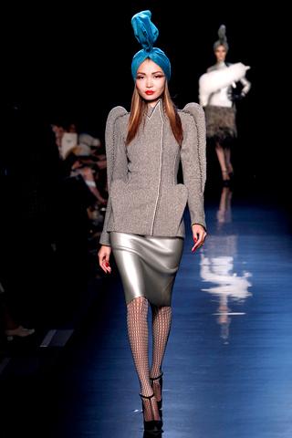 00110m Jean Paul Gaultier Couture kolekcija za jesen/zimu 2010/11.