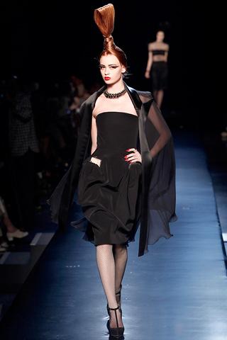 00180m Jean Paul Gaultier Couture kolekcija za jesen/zimu 2010/11.