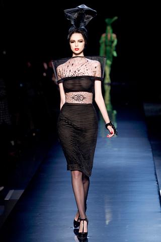 00190m Jean Paul Gaultier Couture kolekcija za jesen/zimu 2010/11.