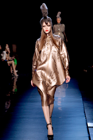 00280m Jean Paul Gaultier Couture kolekcija za jesen/zimu 2010/11.