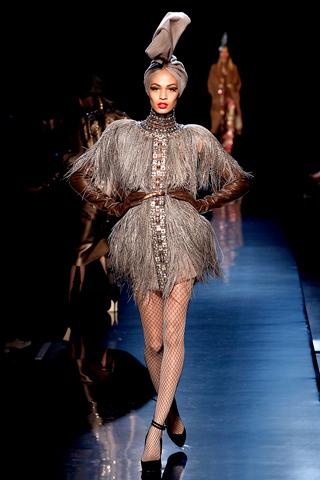 00290m Jean Paul Gaultier Couture kolekcija za jesen/zimu 2010/11.