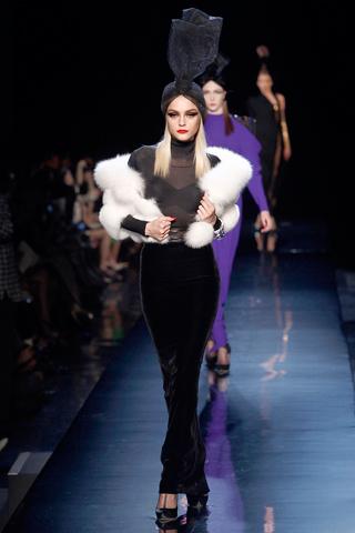 00400m Jean Paul Gaultier Couture kolekcija za jesen/zimu 2010/11.
