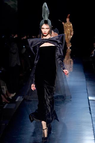 00460m Jean Paul Gaultier Couture kolekcija za jesen/zimu 2010/11.