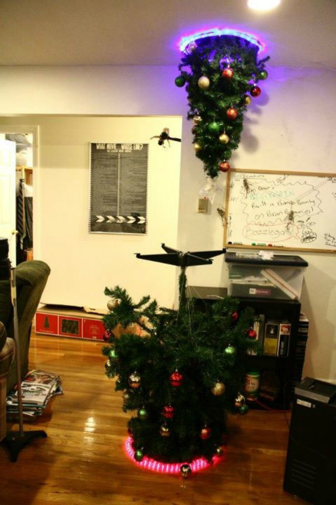 christmas tree portal Da Vinci XXI: Dizajnom protiv teških vremena