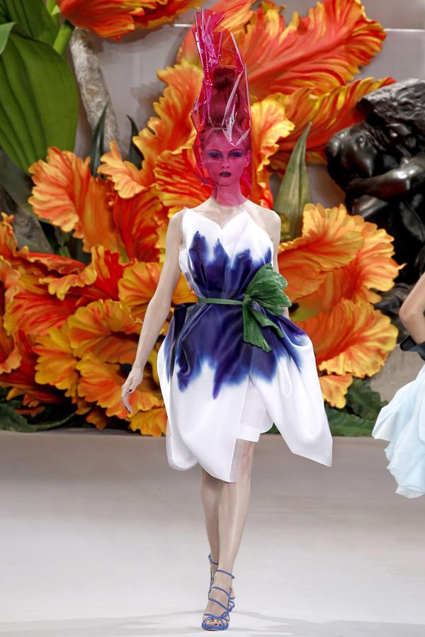 christian dior 1 00190big 2010 07 05 18 04 52 1600541 John Galliano: Povratak modnog maga