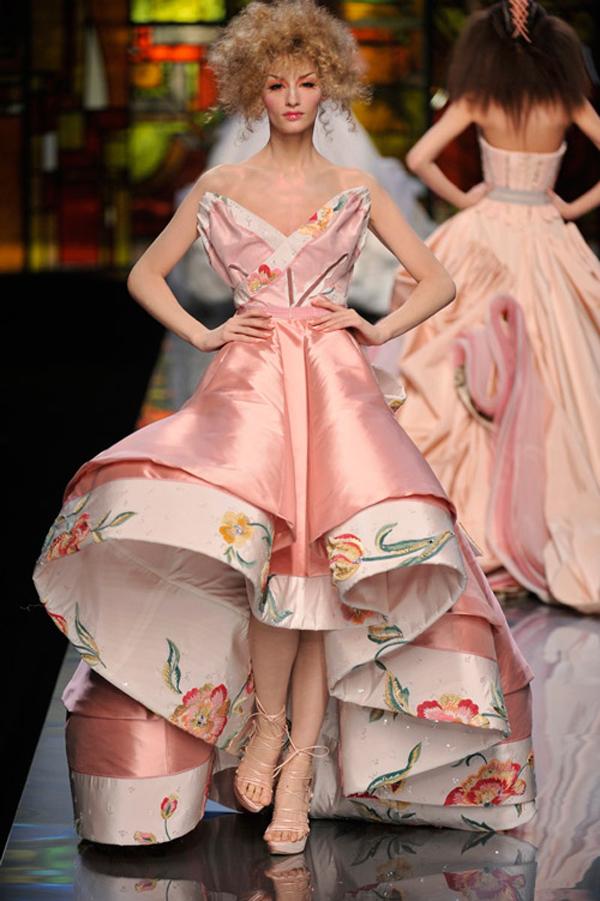 dior john galliano paris haute fashion 09 231 John Galliano: Povratak modnog maga