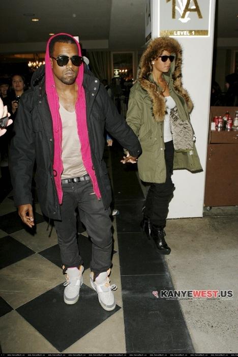 kanyepinkhoodyairyeezy Stil Kanye West a