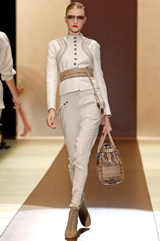 gucci 00120m Prolećni trend: kapri pantalone