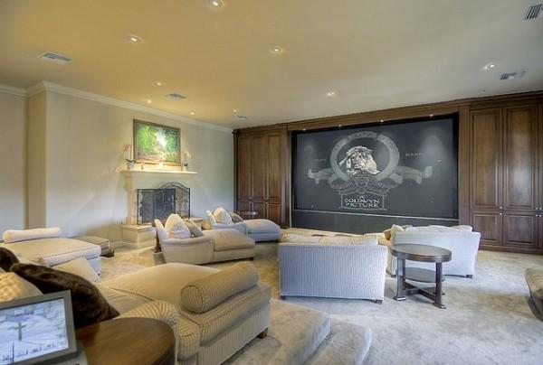 bioskop u kuci nikada ne moze biti nepotreban Kuće poznatih: Mark Valbergova kuća se prodaje