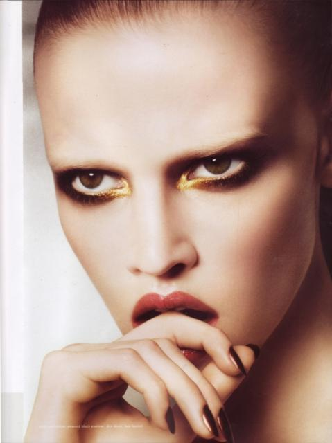 lara stone for ck calvin klein beauty by david sims preview Lara Stone
