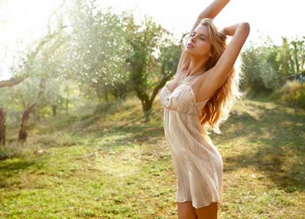galerija intimissimi1 La Moda Italiana: Šta je ispod haljine?
